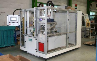Machine de contrôle électrique et prétorsadage